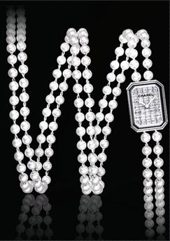 香奈儿经典范 珍珠与腕表结合尽显奢华