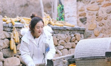 《向往的生活》谢娜赵丽颖干农活 与何炅刘宪华比赛推磨