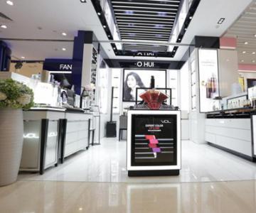 VDL全国首家柜台——杭州银泰百货武林店闪耀开幕