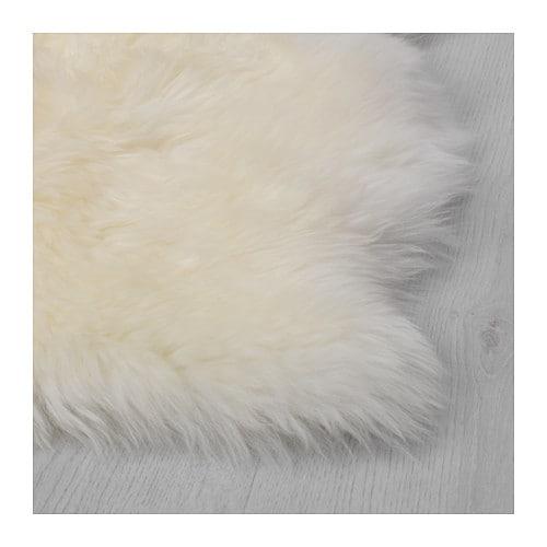 斯考德白色羊皮地毯 图片来源自宜家官网