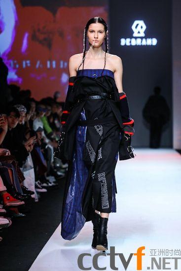 DEBRAND 上海时装周首登场  真正拥有文化底蕴的潮流 《医己、撕欲》品牌大秀